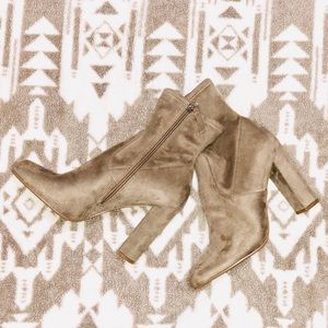 Shoes - New Steve Madden Booties